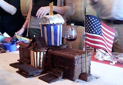 Picture of a finished chocolate Whitehouse with an American flag